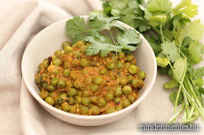 Borsó curry fűszeres-kesus paradicsom (masala) szószban