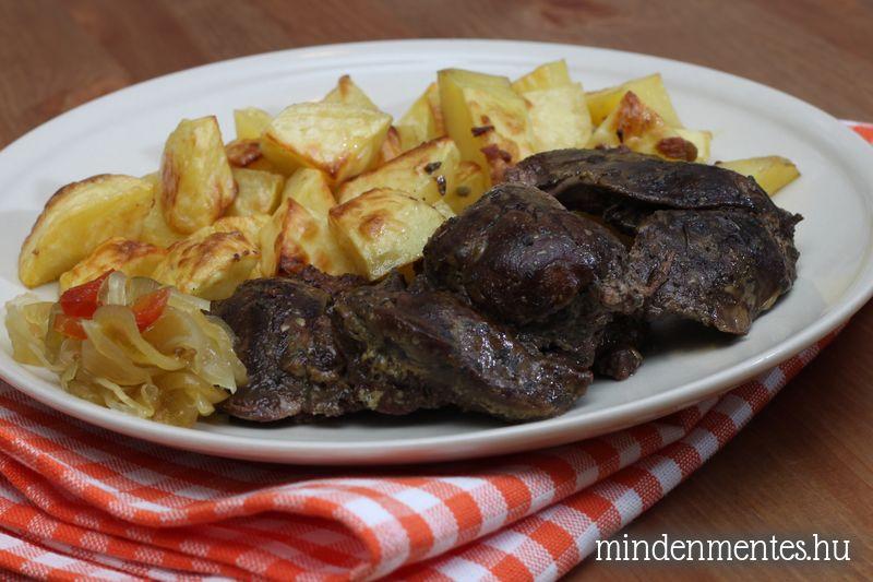 Fűszeres-mustáros csirkemáj rozmaringos burgonyával