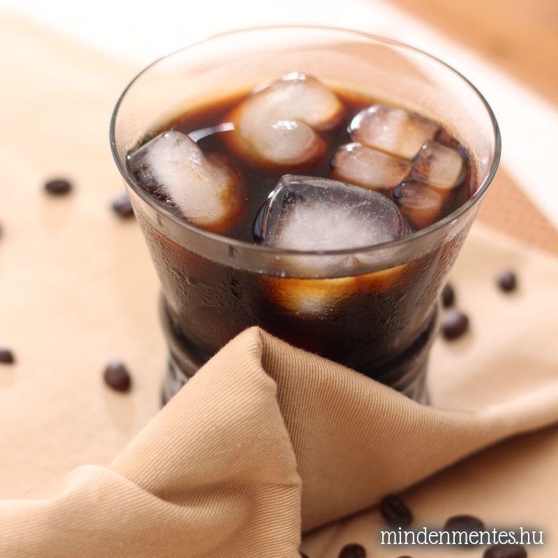 Hidegen áztatott kávé