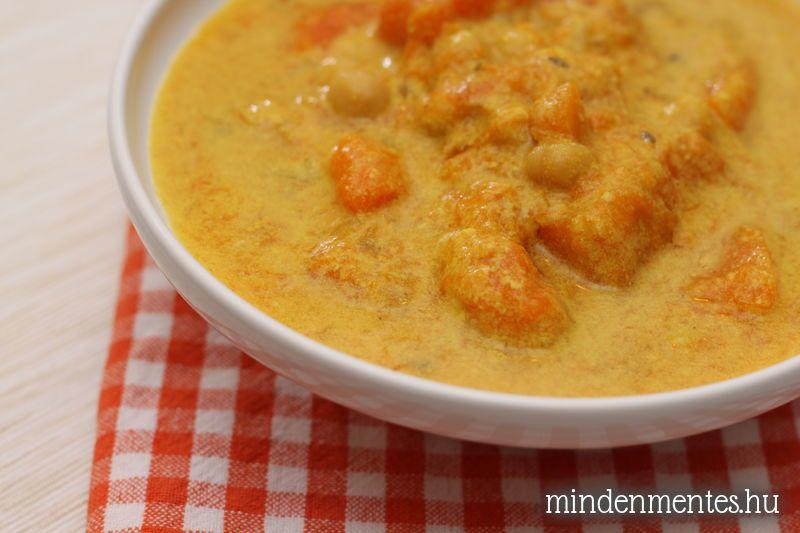 Kókuszos sütőtök-curry csicseriborsóval