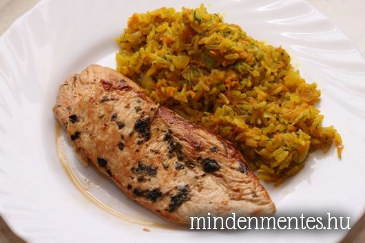 Korianderes, lime-os csirke cukkínis, répás barna rizzsel