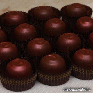 Tojásmentes csokoládéhabbal töltött bonbonok