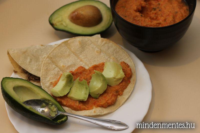 Sült paprikás csicseriborsókrém (vegán)