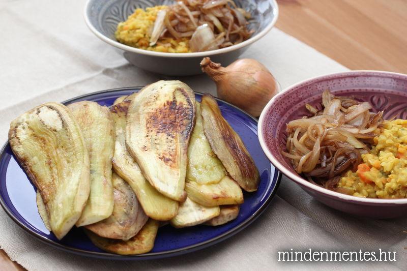 Színes lencse karamellizált hagymával és grillezett padlizsánszeletekkel (vegán)