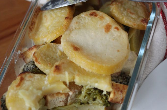 Mindenmentes rakott krumpli brokkolival (vegán)  mindenmentes.hu